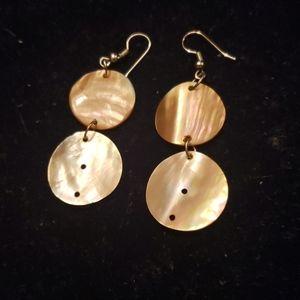 Dangling disc earrings